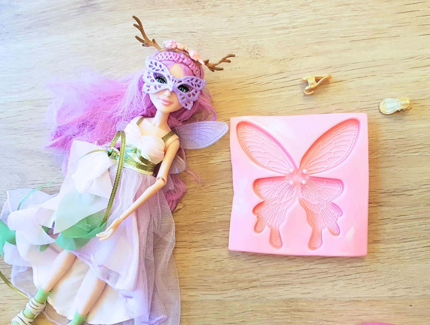Project Mc2 Doll Review – Ember's Fairy Wing Earrings