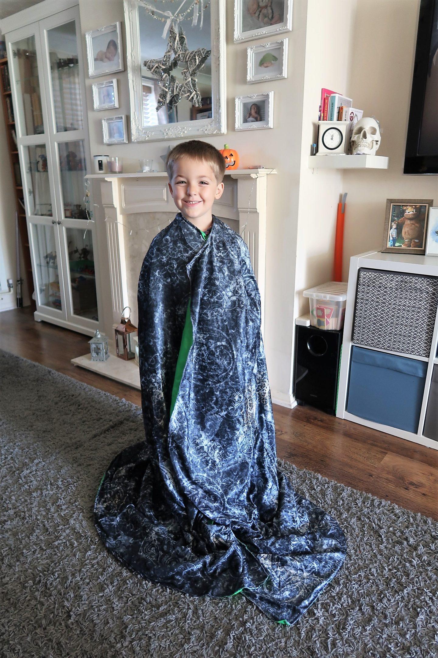 wow! stuff invisibility cloak